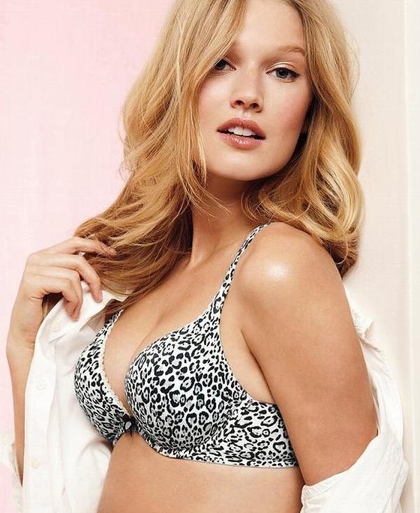 Toni Garrn : La jeune et sexy Allemande de Victoria's Secret nous fait fondrev