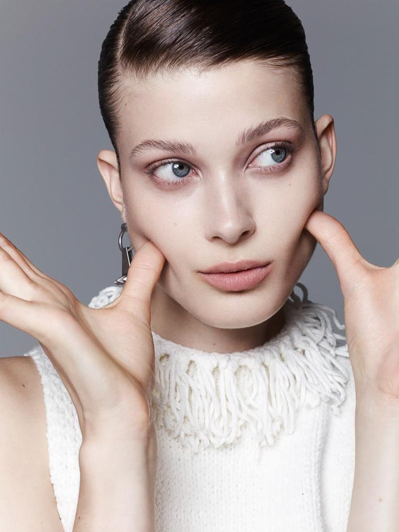 Vogue Ukraine January 2016 Larissa Hofmann by Nagi Sakai-4
