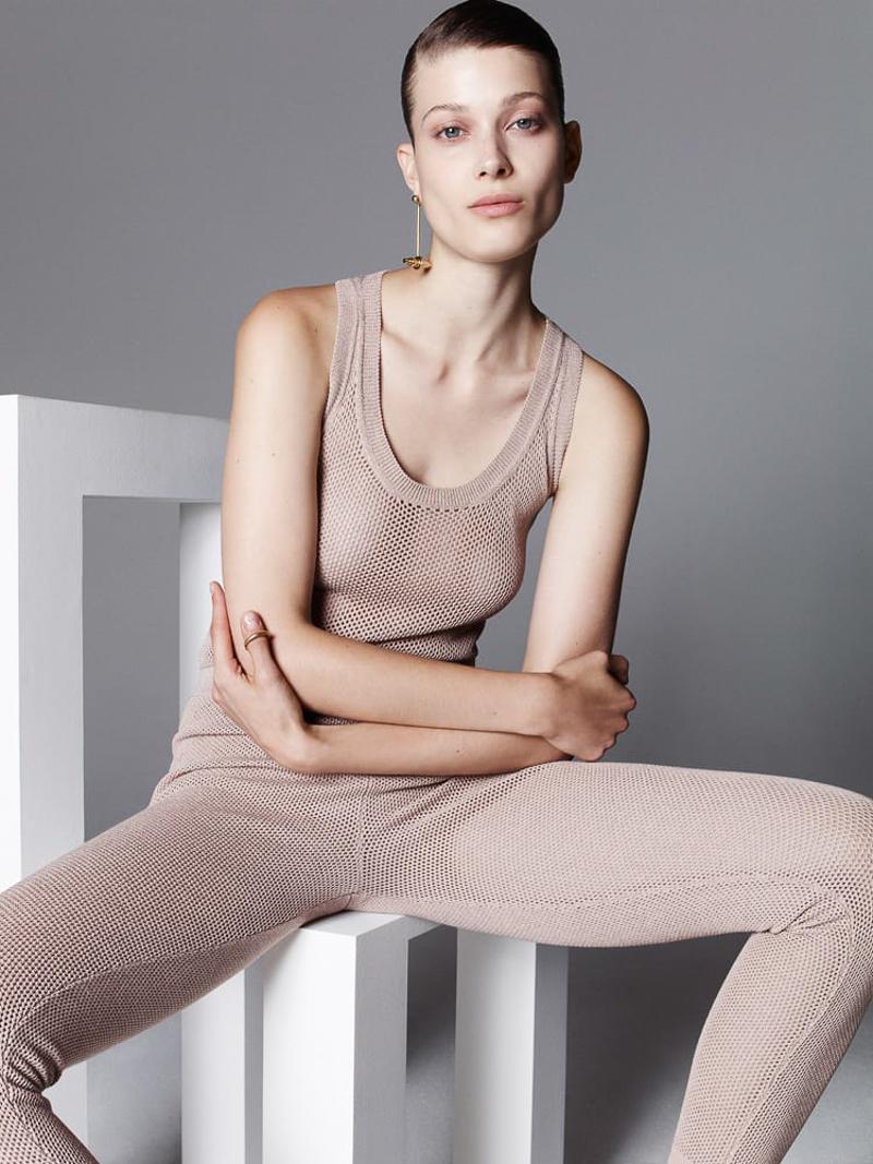 Vogue Ukraine January 2016 Larissa Hofmann by Nagi Sakai-7
