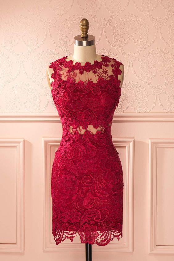 Raffinée et audacieuse, cette robe vous donnera une apparence majestueuse.
