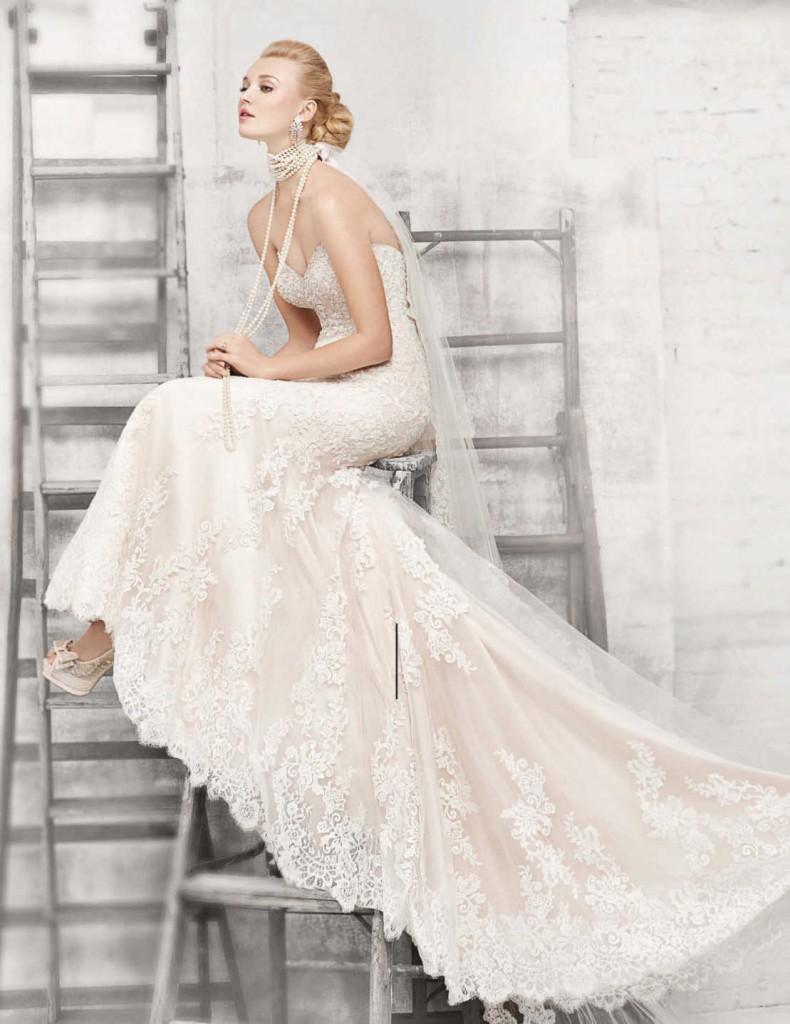 Mariage 21 des plus belles robes de mari es en photos for Prix de robe de mariage kenneth winston