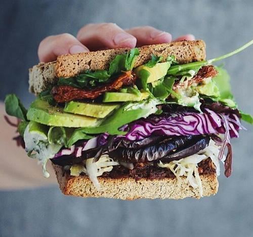 Mangez des protéines maigres à chaque repas pour développer vos muscles et réduire votre appétit.