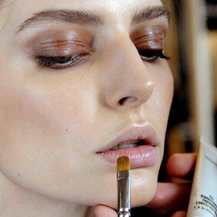 3-comment-maquiller-les-levres-pour-l-ete-maquillage-discret-levres-roses