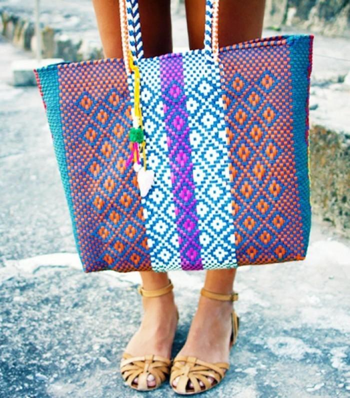belle-bag-et-mode-sac-de-plage-en-tendance-coloré