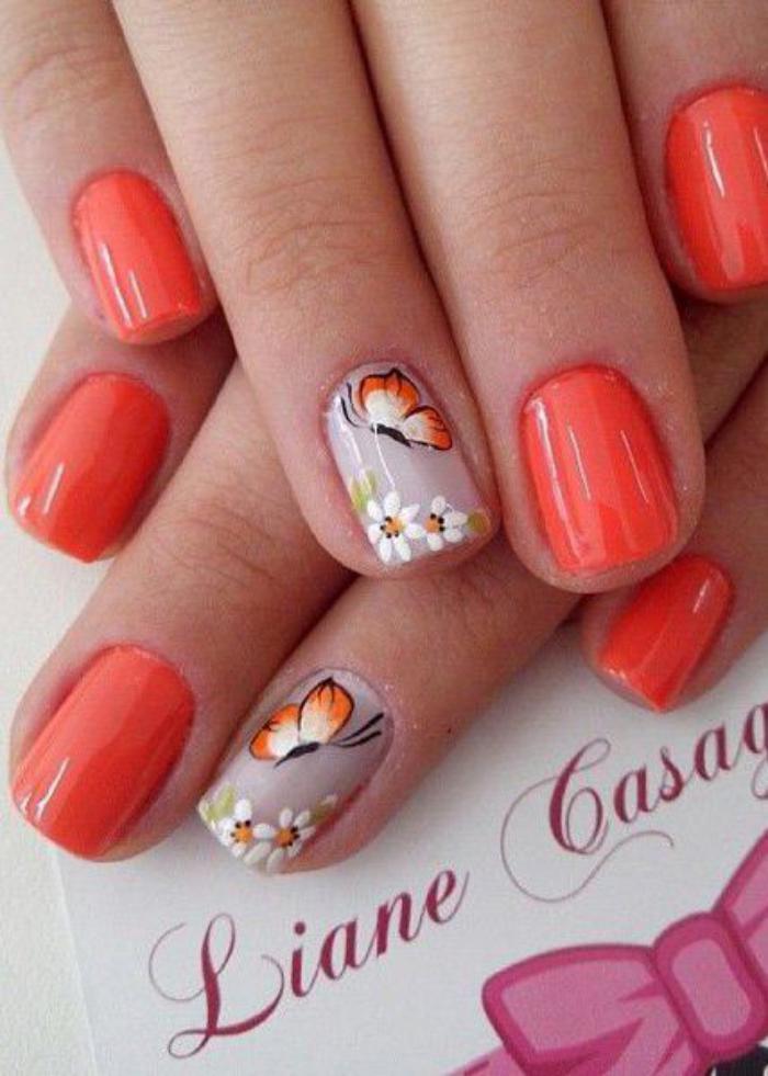 déco-ongles-motifs-floraux-sur-ongles-corails-et-beiges
