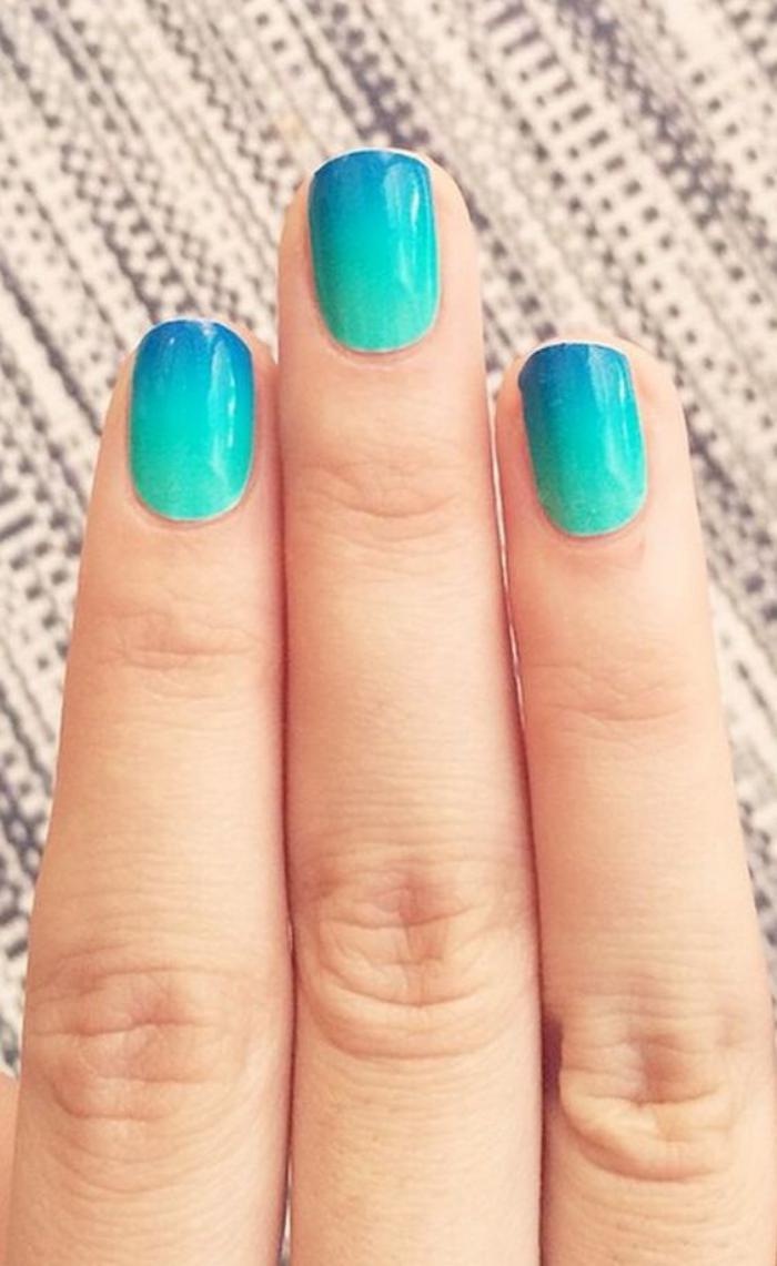 manucure-ombré-turquoise-ongles-dégradés