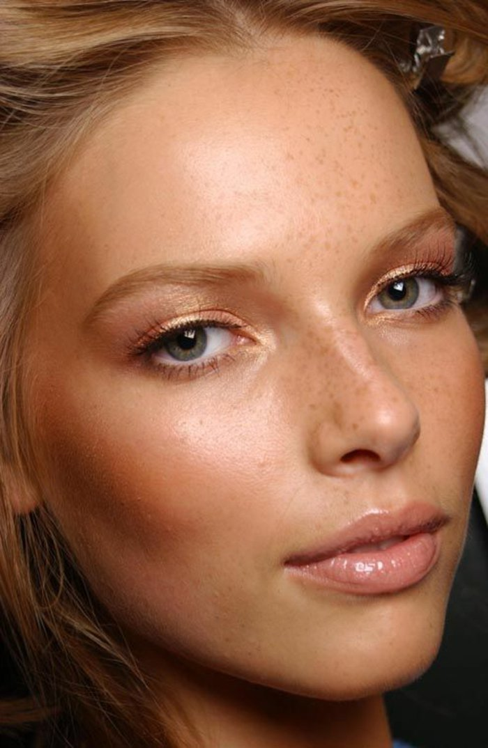 maquillage-discret-maquillage-leger-yeux-verts-bleus-apprendre-a-se-maquiller
