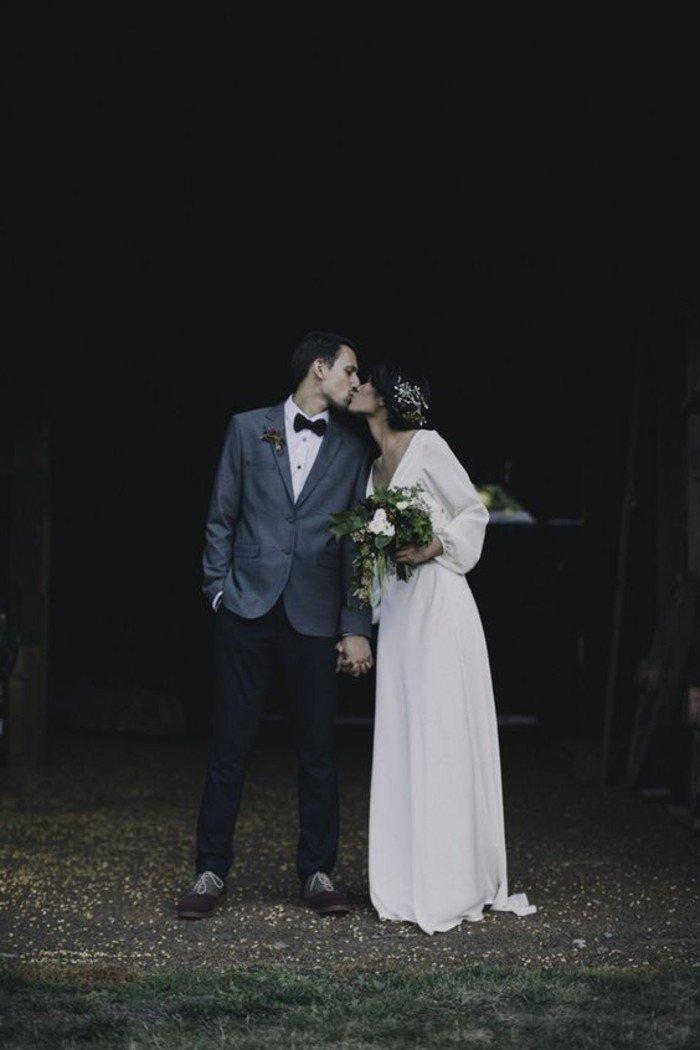 robe-de-mariage-longue-en-blanc-idees-robe-mariage-civil-manches-longs-robe-longue