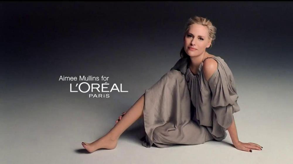 Aimee Mullins a tout pour elle, belle, drôle et intelligente, le trio gagnant ! Elle ne se considère pas comme une personne handicapée