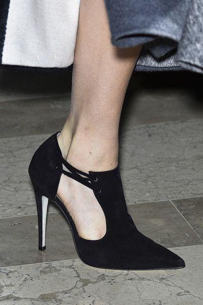 0b6340f6b49 Chaussures de soirée femme à talons - Carolina Herrera printemps 2016 2017