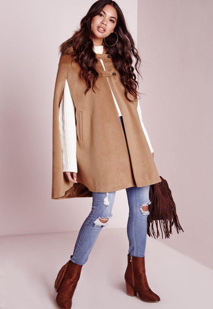 Manteau cape marron avec col en fausse fourrure