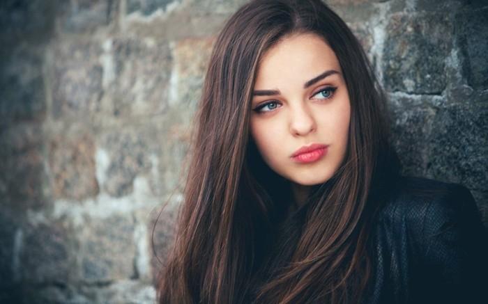 admirable-beauté-femme-cheveux-naturelle-couleur