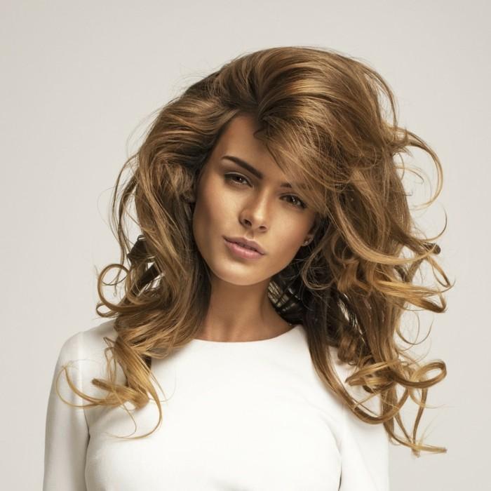 ModГЁle de teinture des cheveux