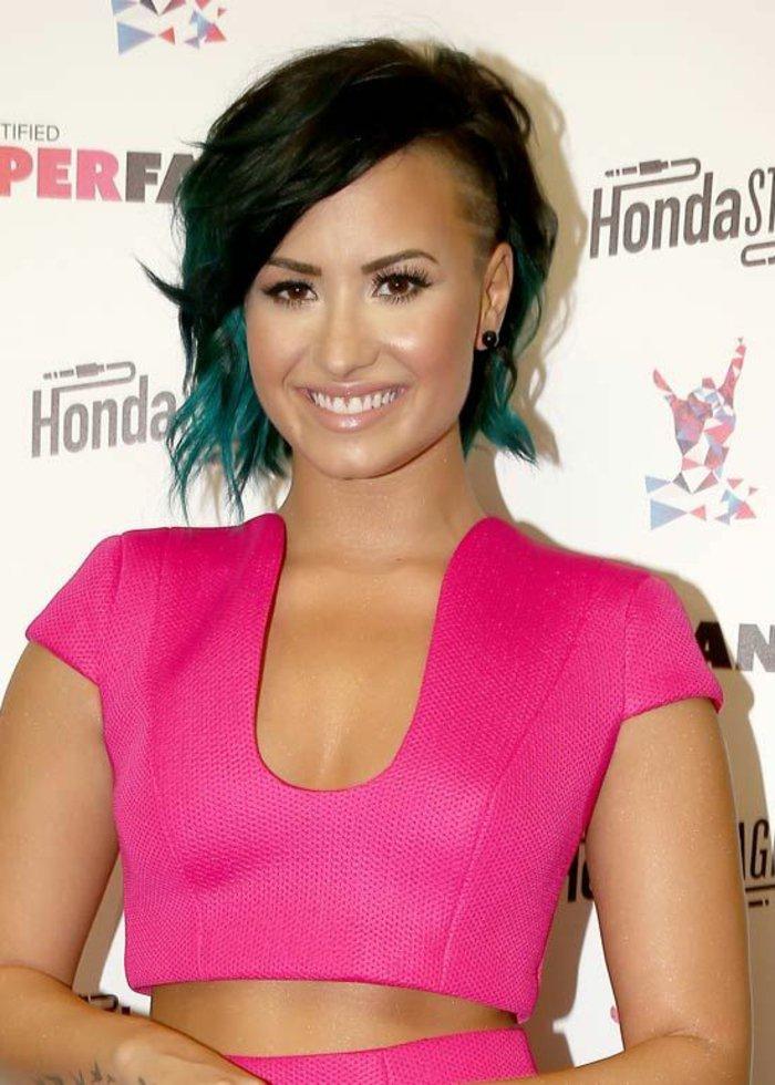 couleur-cheveux-caramel-coiffure-tendance-du-bleu