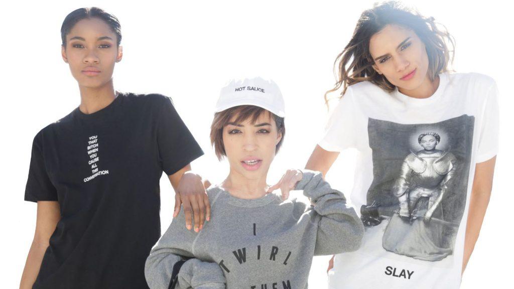 La mannequin handicapée Jillian Mercado porte la ligne de vêtement créés après la nouvelle chanson de Beyoncé, Formation. Elle apparaît sur le site de vente en ligne de la star, avec des slogans anti-discrimination.