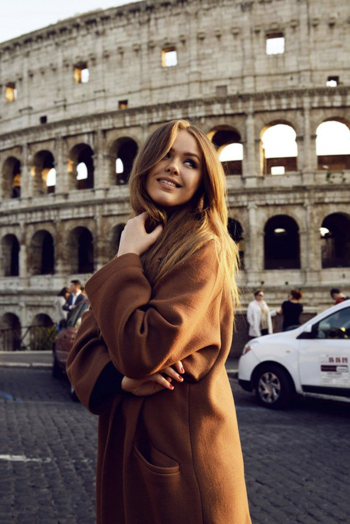jolie-femme-tendance-couleur-cheveux-2015-italie