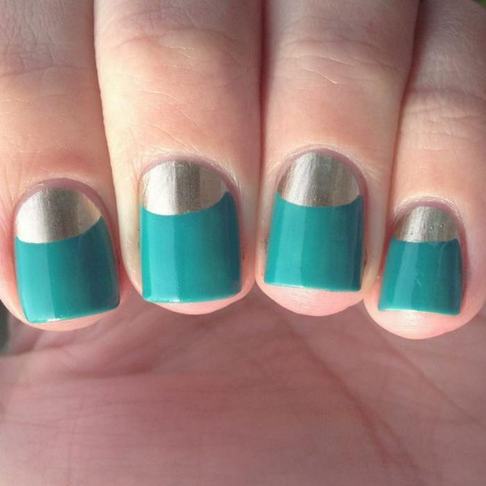 manucure-demi-lune-en-deux-couleurs-vert-et-argent