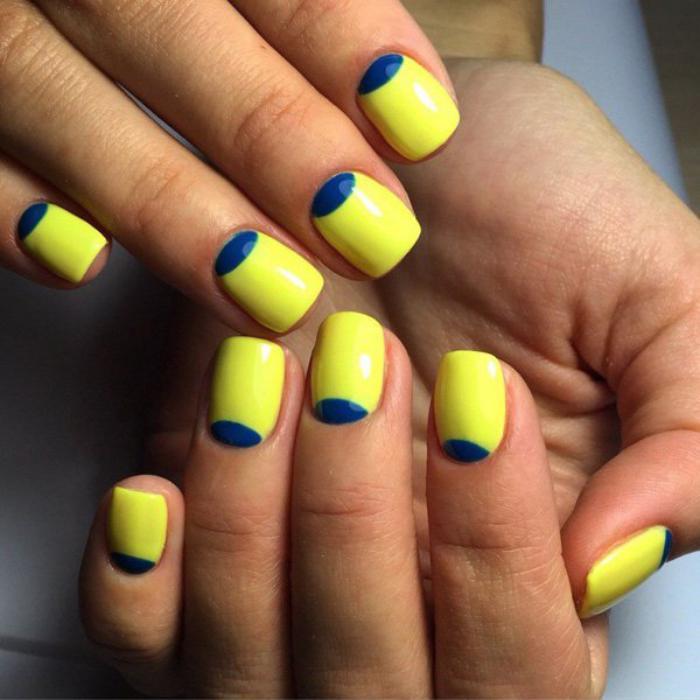 manucure-demi-lune-lunule-bleue-ongle-jaune