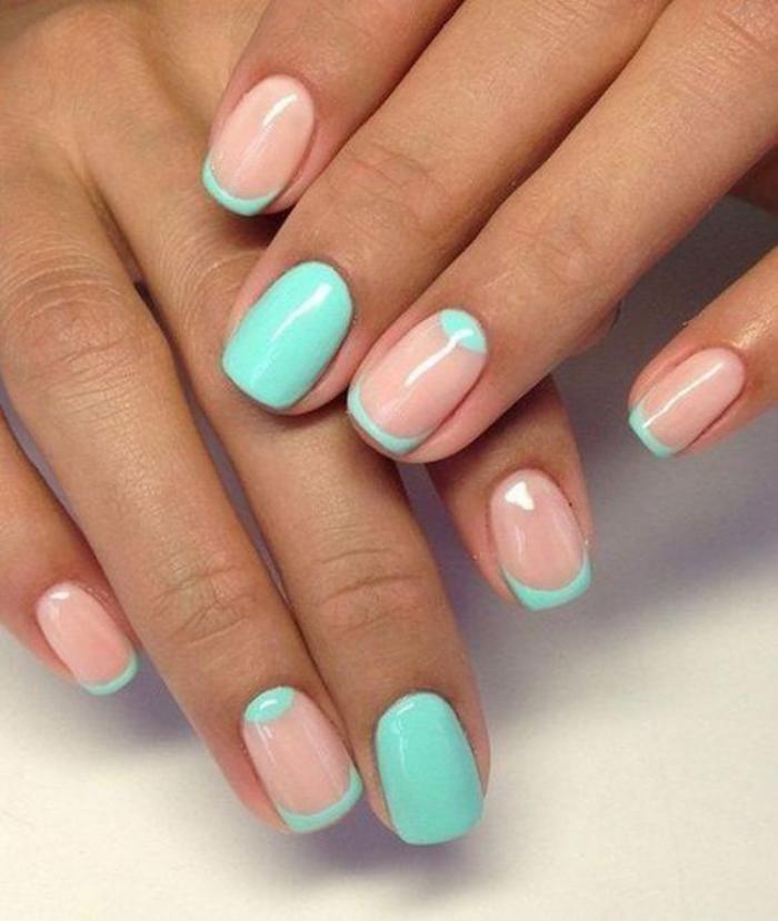 manucure-demi-lune-nail-art-couleurs-pastels