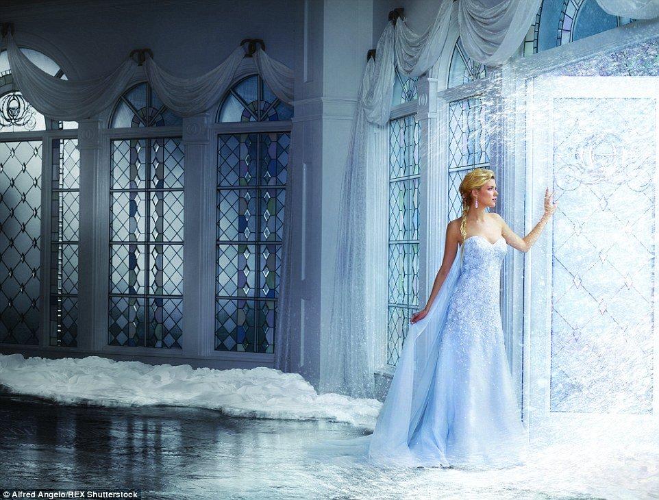 Robe de princesse disney tendance 2017 - Modele Elsa, La Reine des Neiges