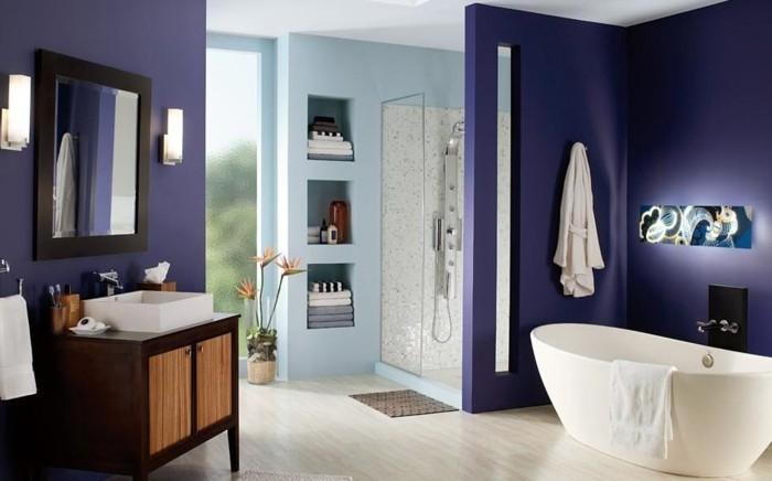 suggestion-unique-peinture-salle-de-bain-mauve-cabine-de-douche-vasque-et-baignoire-à-poser-espace-de-rangement