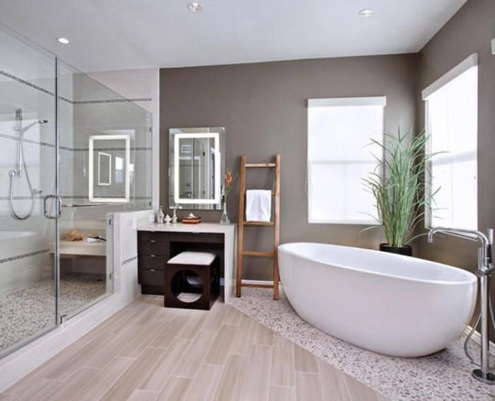 Idée Couleur Peinture Salle De Bain : idée couelur salle de bain taupe, baignoire blanche à poser, jolie …