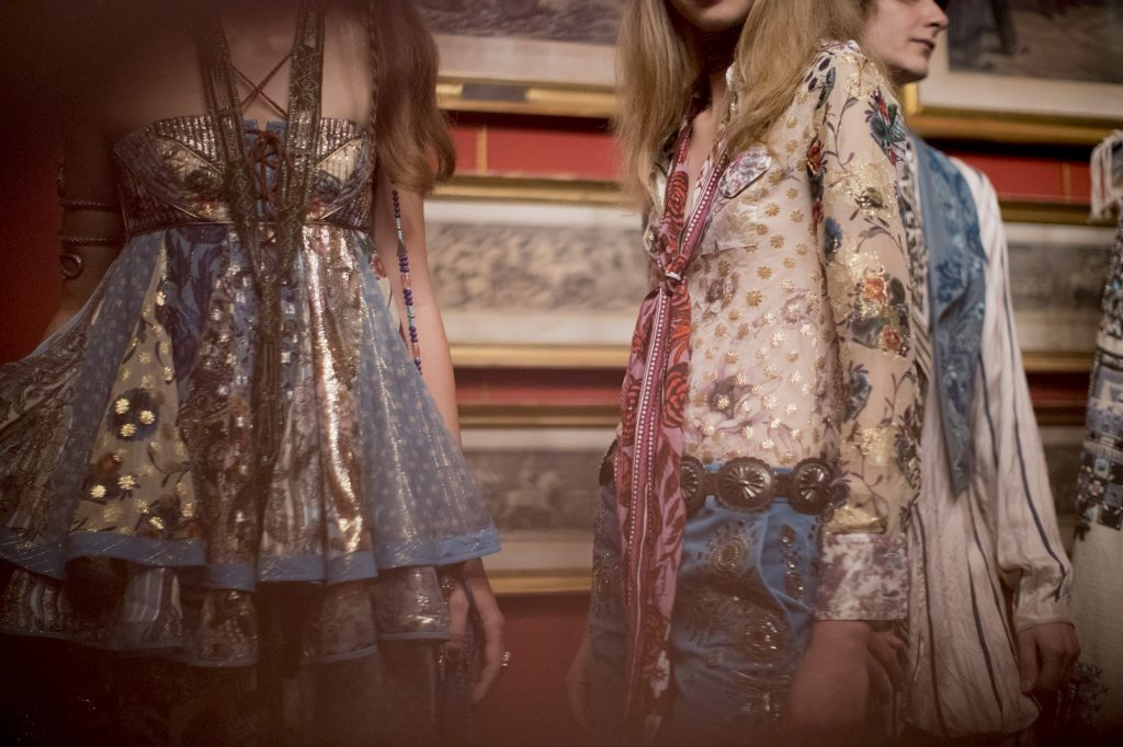 backstage-roberto-cavalli-printemps-ete-2017-4