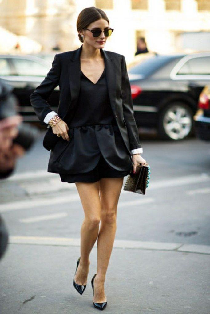 La belle Olivia Palermo avec une robe noire chic