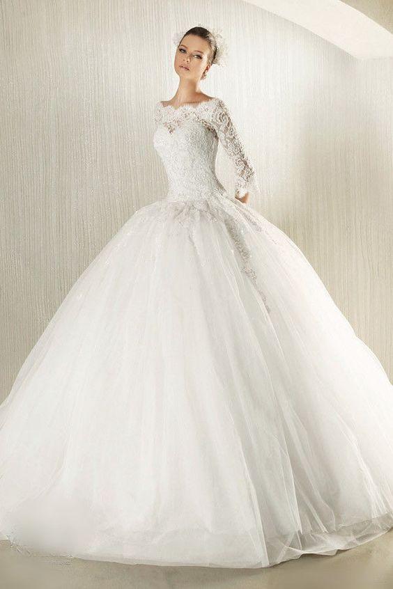 robe de mariée princesse tendance 2017 - Modèle 11 avec Manches longues en dentelle