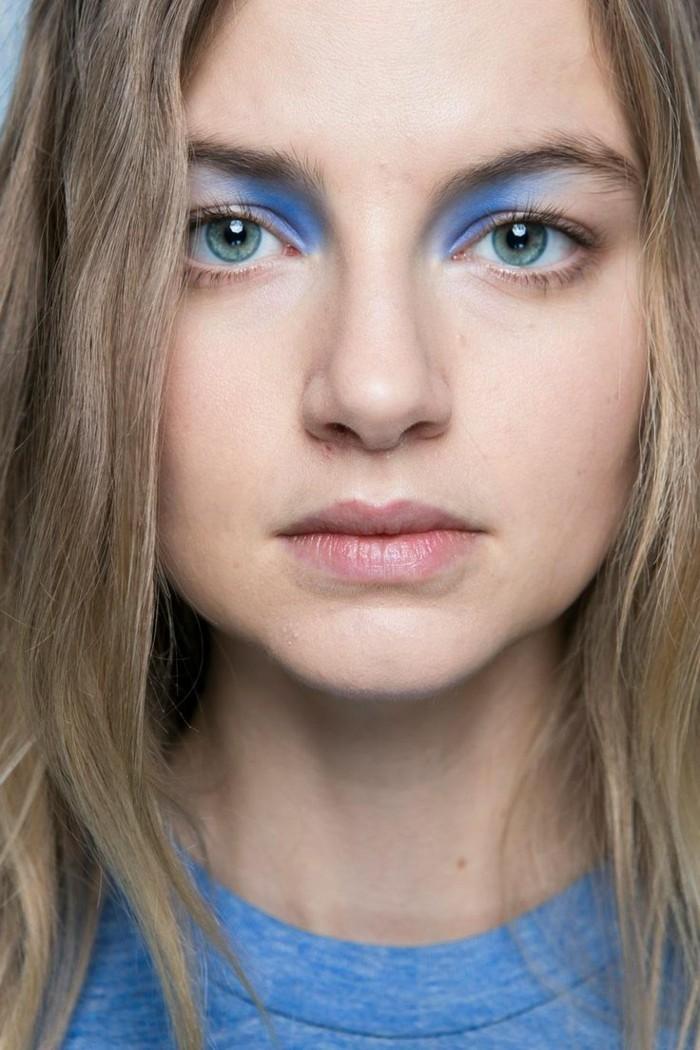 formidable-maquillage-soirée-yeux-marrons-bleu-yeux