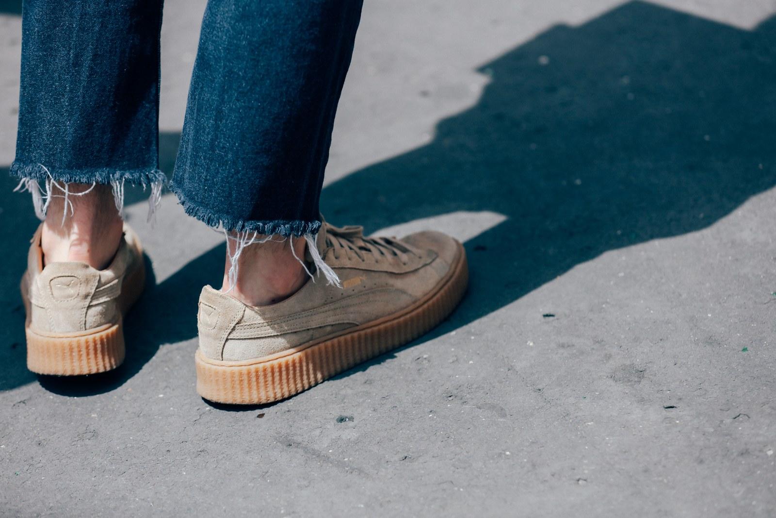 Sneaker Retro que tout le monde aime + Jeans Raw Hem