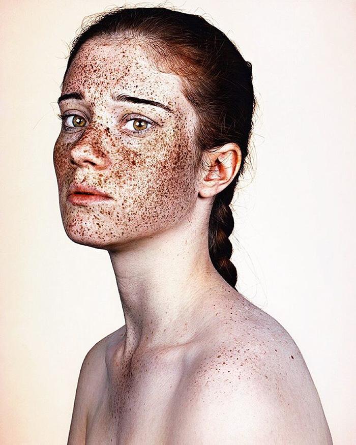 portrait-visage-avec-taches-de-rousseur-brock-elbank-14