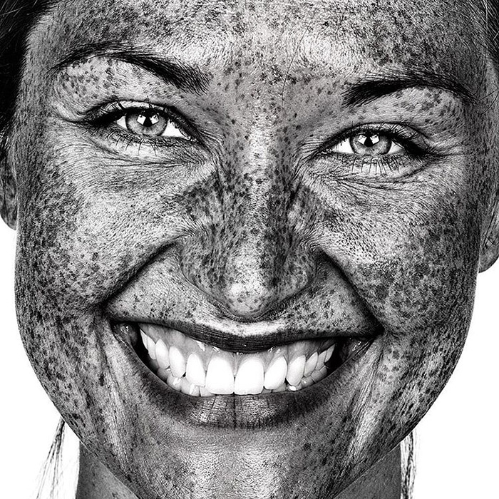 portrait-visage-avec-taches-de-rousseur-brock-elbank-18