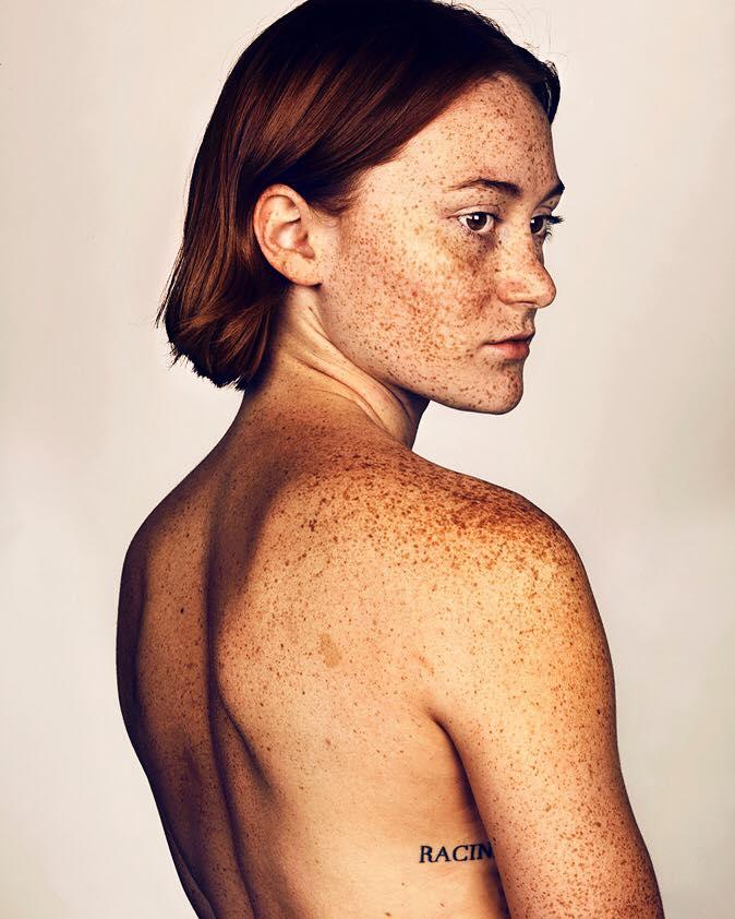 portrait-visage-avec-taches-de-rousseur-brock-elbank-32