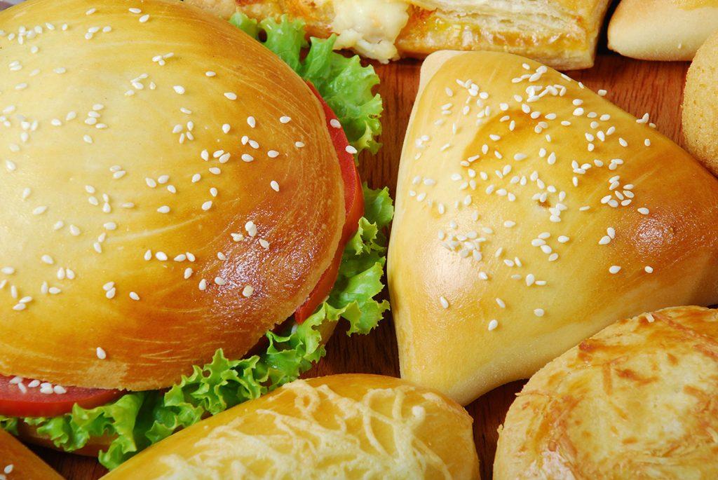Souvent ces produits qui ne sont pas équilibrés doivent être accompagnés d'aliments plus «courants» tels des légumes, des fruits, des produits laitiers (laitages, fromages) ou du pain.