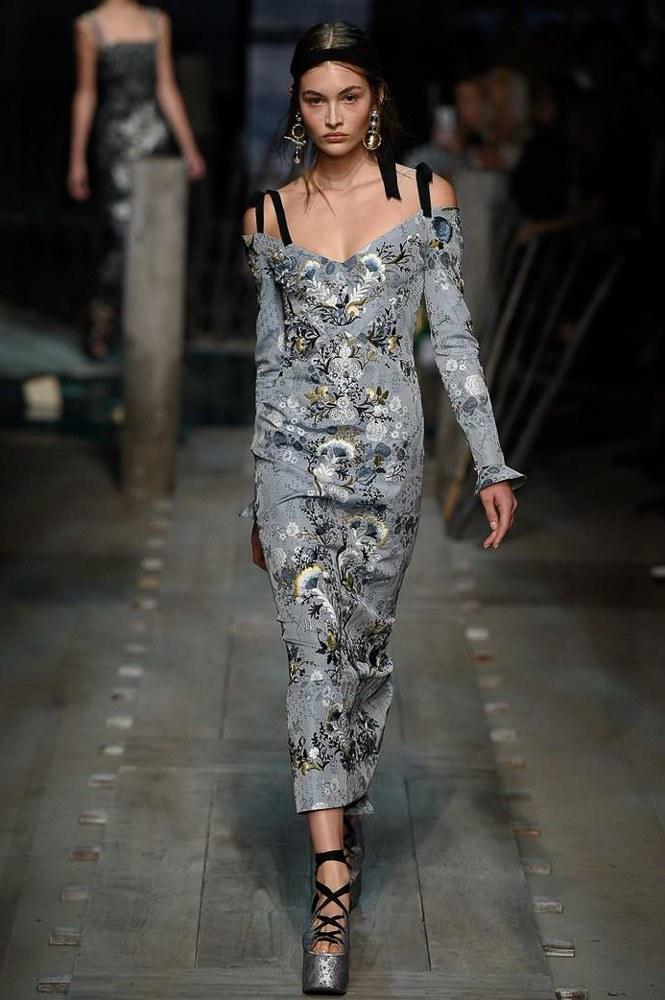 robes-de-soiree-longues-tendance-2017-modele-23