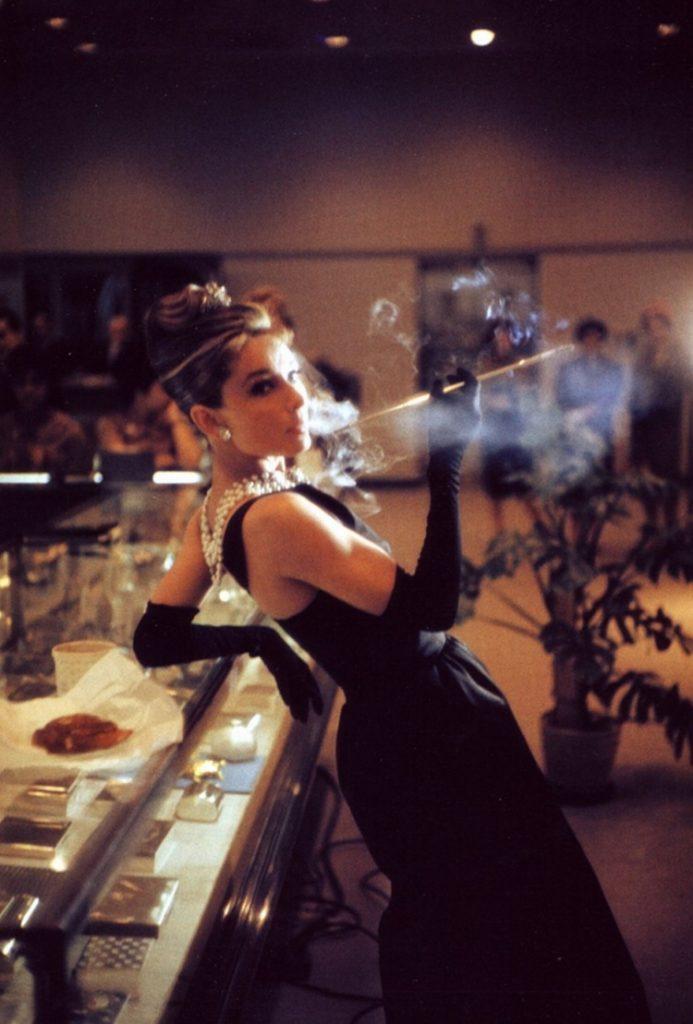 Audrey Hepburn lors du tournage de Diamants sur canapé, 1961.