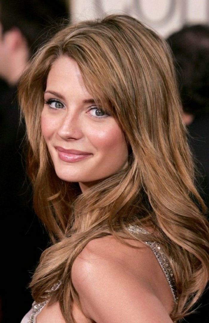 couleur-marron-clair-idee-coupe-de-cheveux-mi-long-yeux-vert-fonce