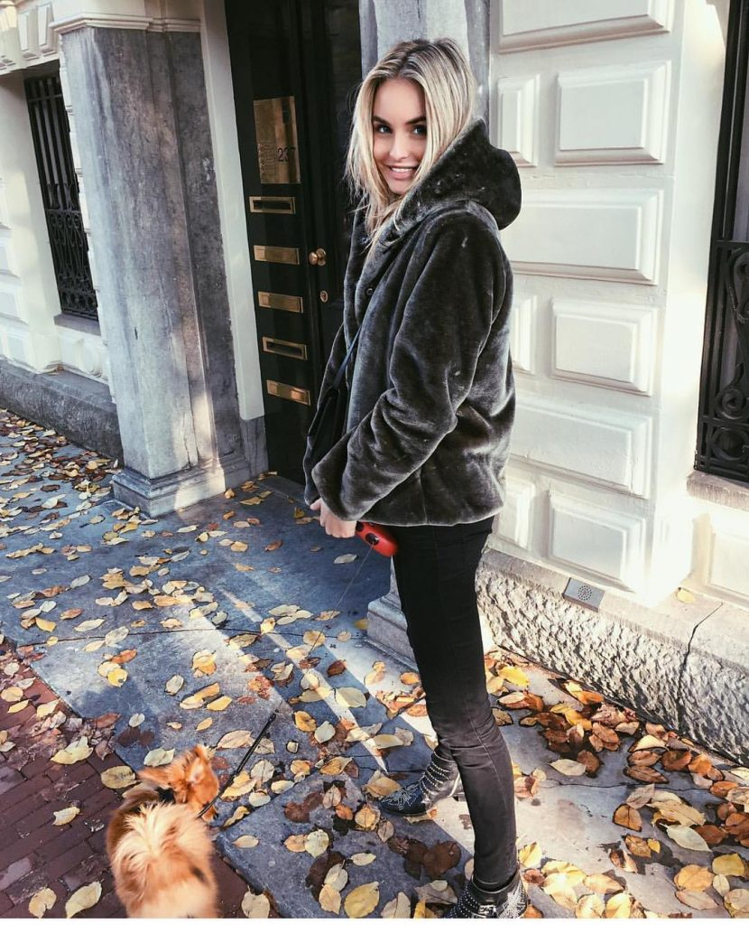 autumn-outfit-ideas-for-2017-from-top-instagram-fashion-bloggers-look-11