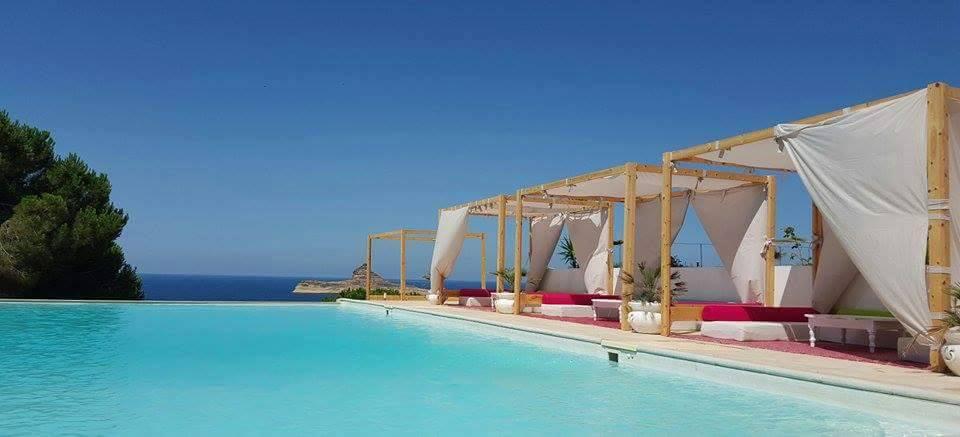 Casa Playa vous accueille dans un cadre exceptionnel face à la baie de Rafraf pour vos séminaires,congrès,assemblées générales,fêtes,mariages...