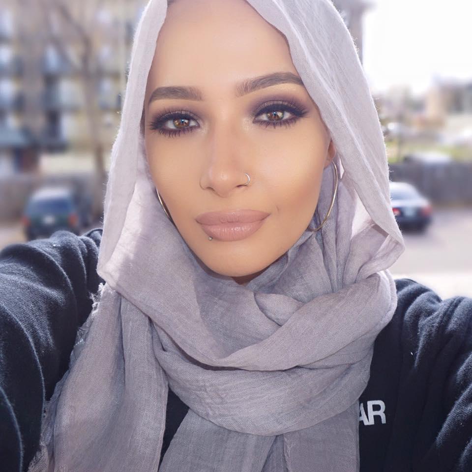 nura-afia-la-premiere-egerie-covergirl-qui-porte-le-hijab-2