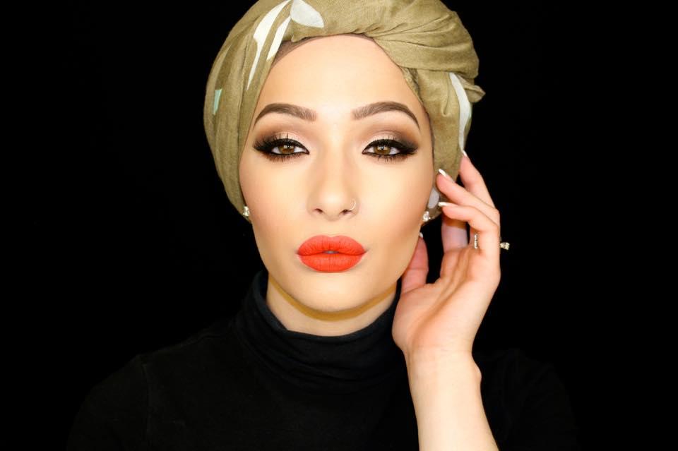 Nura Afia, la premiere égérie CoverGirl qui porte le hijab