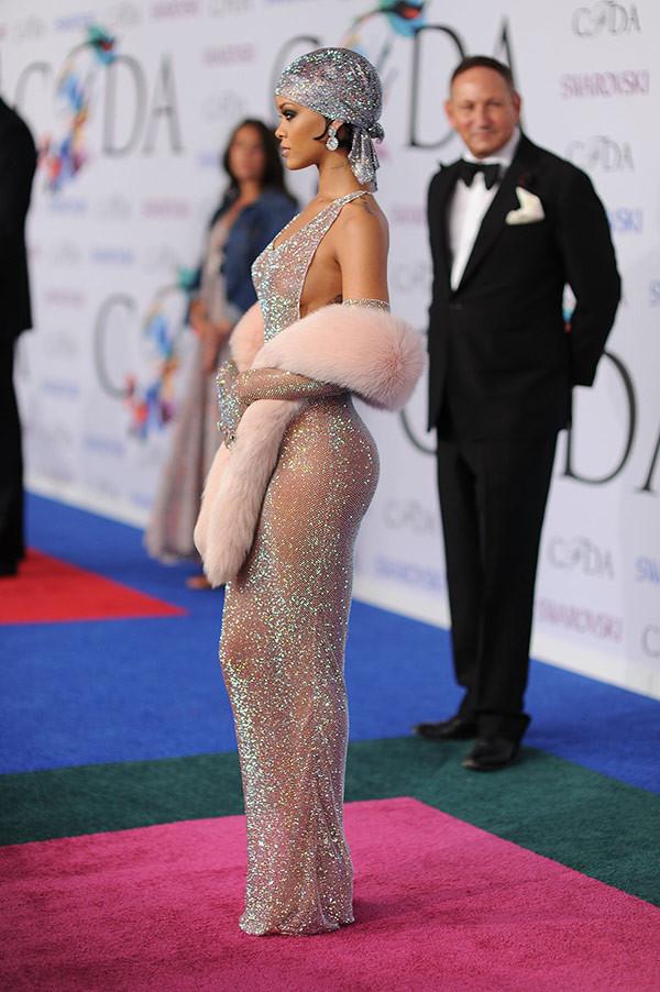 Rihanna nous a habitué à des looks plus sophistiqués