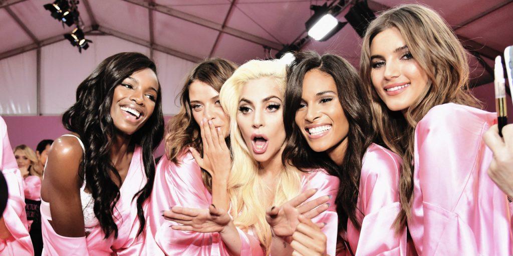 Backstage Défilé Victoria's Secret 2016 - Les anges avec Lady Gaga
