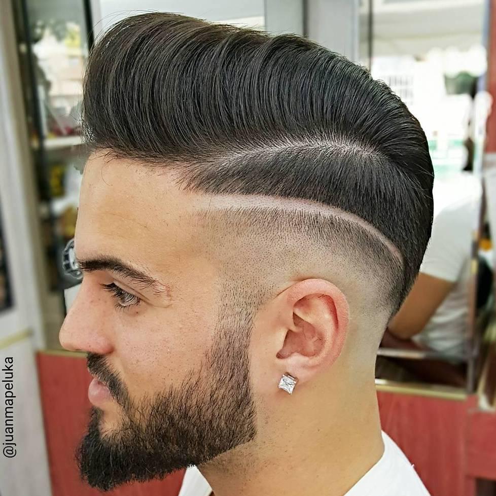 Motifs pour hommes sur la coupe de cheveux pour hommes