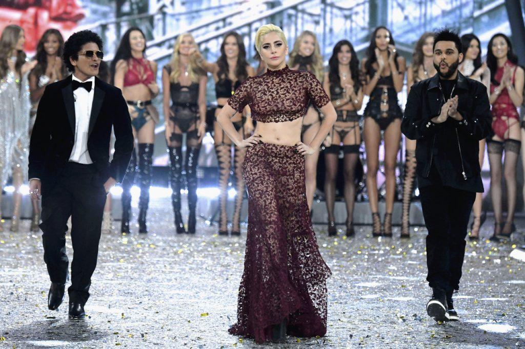 PHOTOS – Victoria's Secret 2016: Lady Gaga, Bella Hadid, Kendall Jenner, elles ont enflammé le Grand Palais