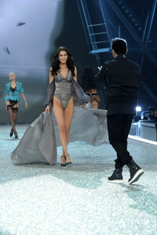 PARIS, FRANCE - NOVEMBER 30: Bella Hadid et The Weeknd