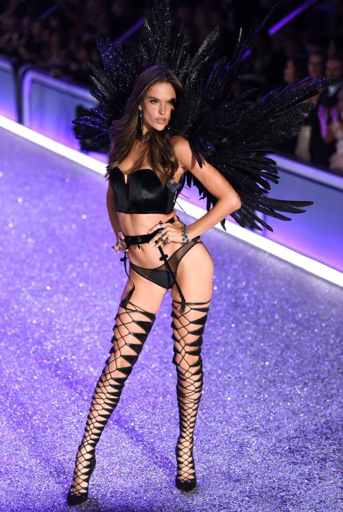 D Ef Bf Bdfil Ef Bf Bd De Mode Victoria S Secret Victoria S Secret Fashion Show