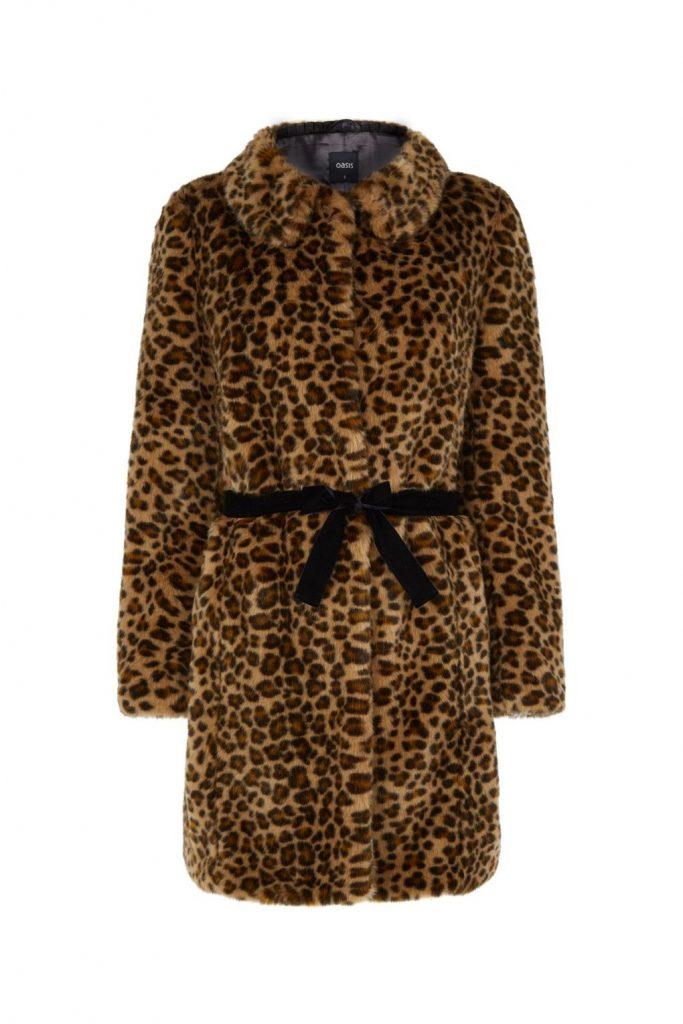 manteaux femme hiver 2017 23 manteaux tendances pour passer l hiver au chaud. Black Bedroom Furniture Sets. Home Design Ideas