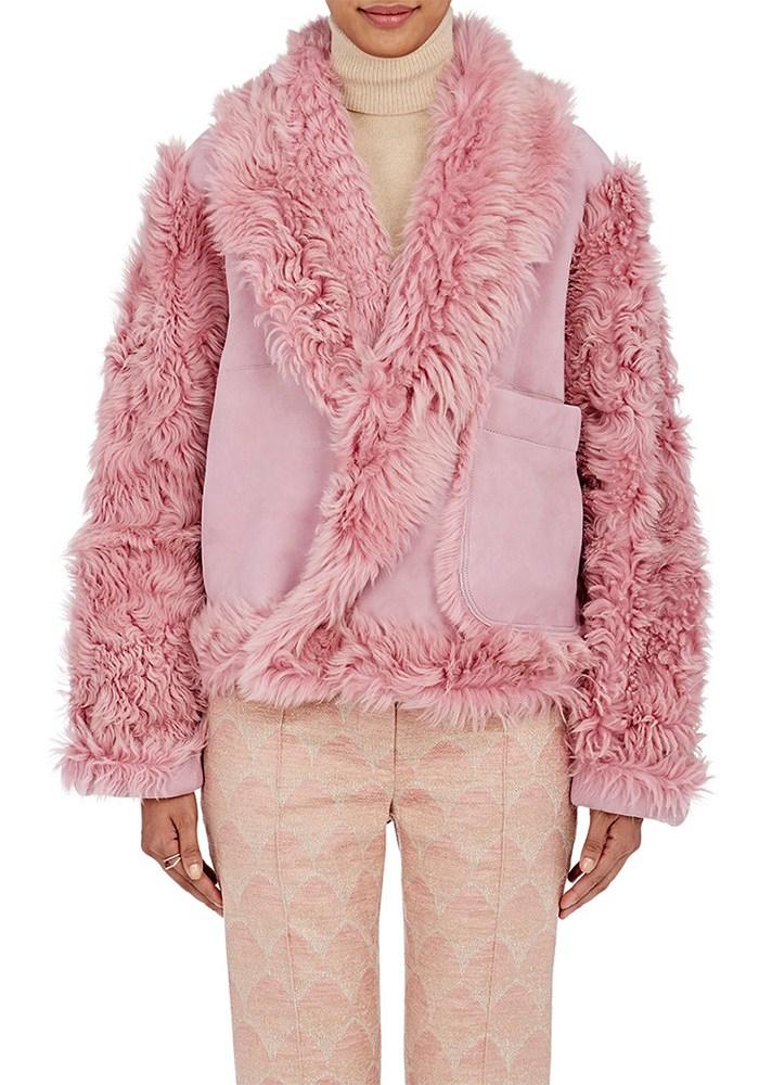 Manteau court en rose tendance hiver 2017